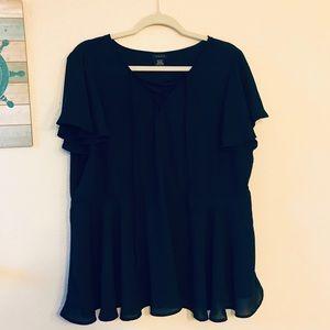Torrid 1X flowy black blouse with ruffled hem